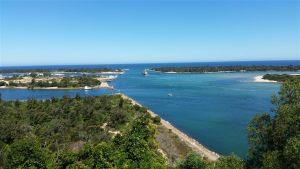 riviera-beach-homes-lakes-entrance-1