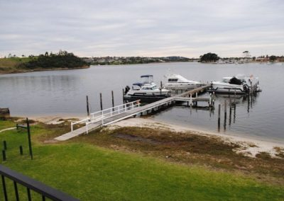 Clara Cove Waterfront Apartments Lakes Entrance Accommodation-4