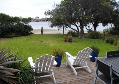 Clara Cove Waterfront Apartments Lakes Entrance Accommodation-5