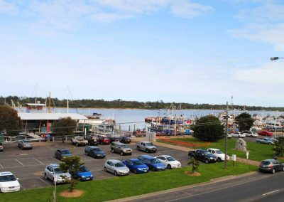 Penthouse Luxury Waterfront Accommodation Lakes Entrance2