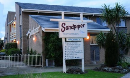 Sandpiper Holiday Apartments Accommodation Lakes Entrance