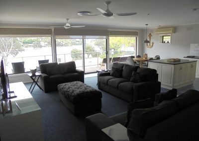 Hybiscus Lodge Waterfront Accommodation Lakes Entrance-2